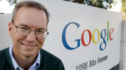 Google CEO Eric Schmidt and his co-authors show the innovative corporate culture and mission of the Internet search tech titan.